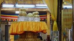 パウン・ダウ・オー・パヤー・パゴダ Phaung Daw Oo Paya Pagoda, Ywama Village Inle Lake 観光 photo インレー湖